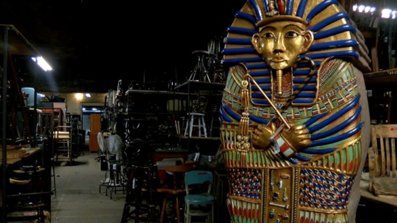 Theater auctioning off thousands of old props