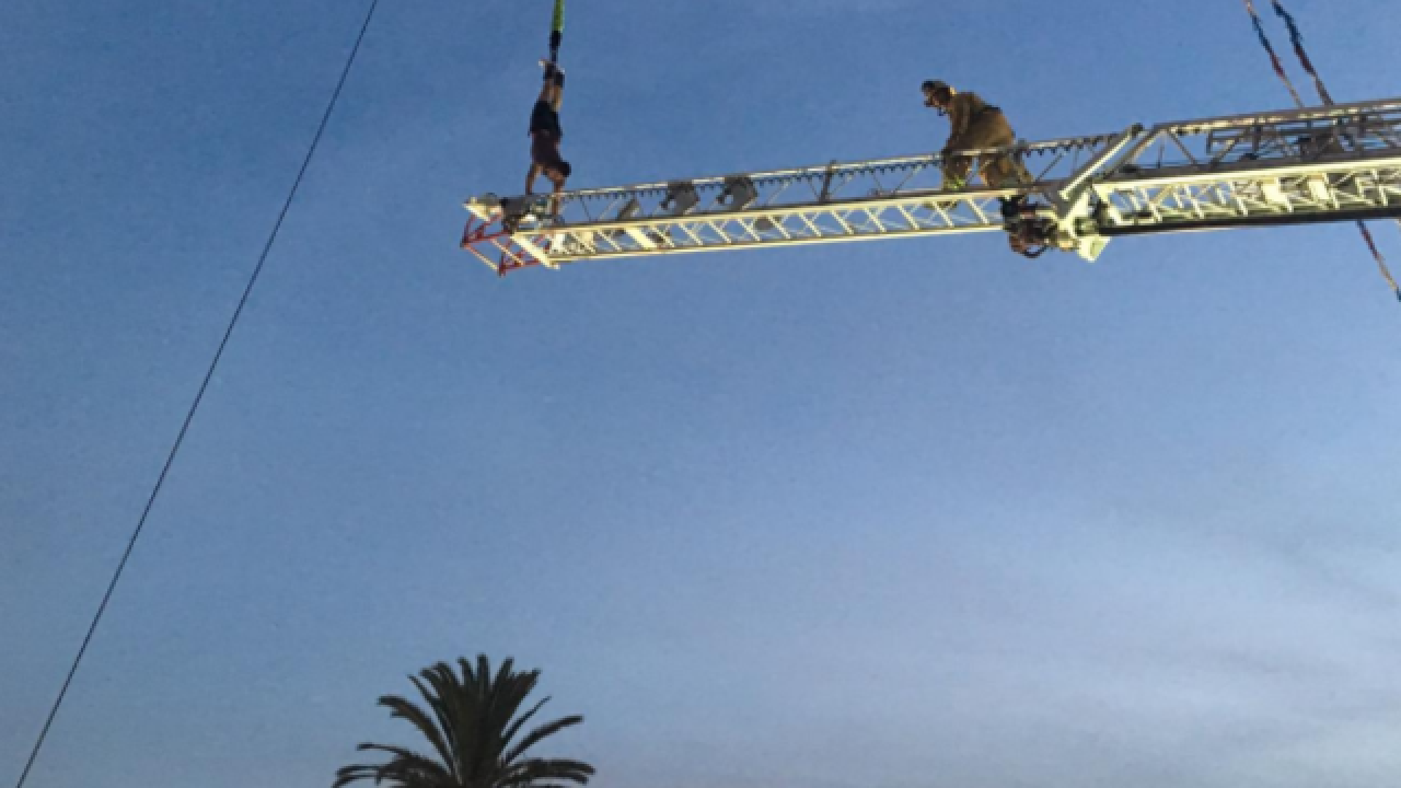Man left hanging after Ventura fair bungee dive