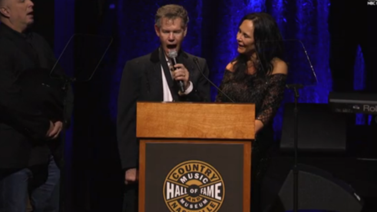 Randy Travis' performance of 'Amazing Grace' brings audience to tears
