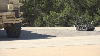Soldiers test Man Transportable Robotic System