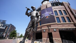 For MLB All-Star Game, right/left divide goes beyond field