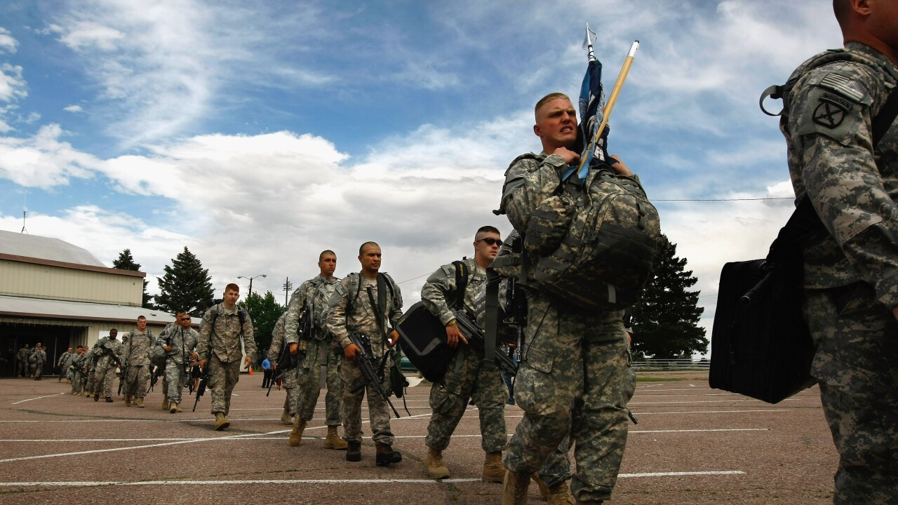 fort carson soldiers deploy