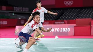 Wang, Huang defeat top-seeded Siewi, Huang to win badminton mixed doubles gold