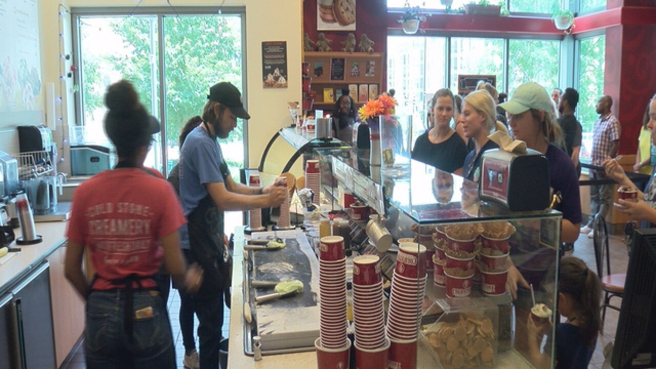 Cold Stones gives away free ice cream in Mid-tow