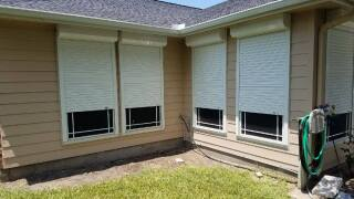 5 Benefits of Roll Up Shutters