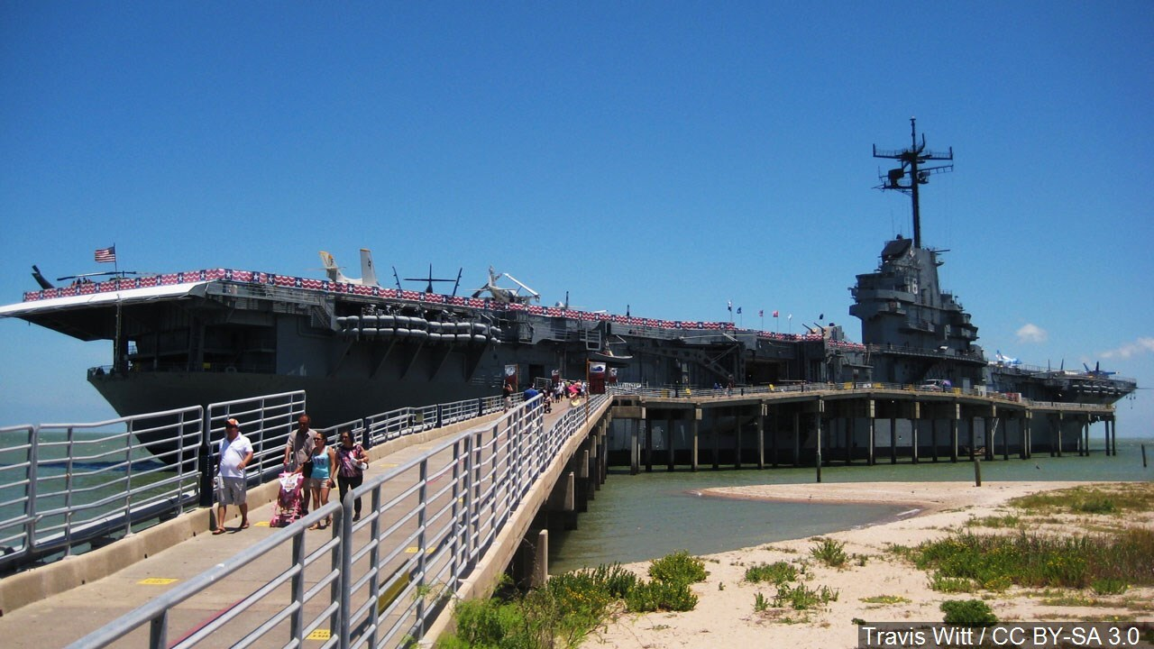 USS Lexington celebrates veterans with free admission
