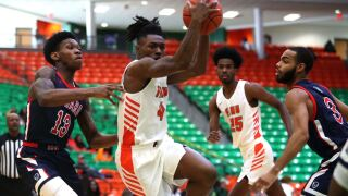 Rattlers hold off late Bulldogs rally