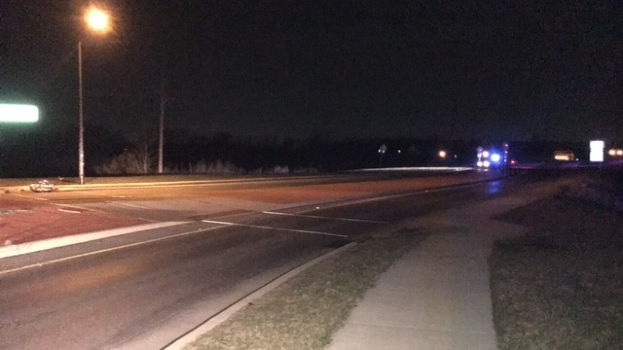 Man killed in Lawrence motorcycle crash