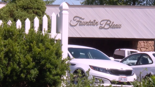 Local couples with wedding plans are trying to get their money back after event venue closes.