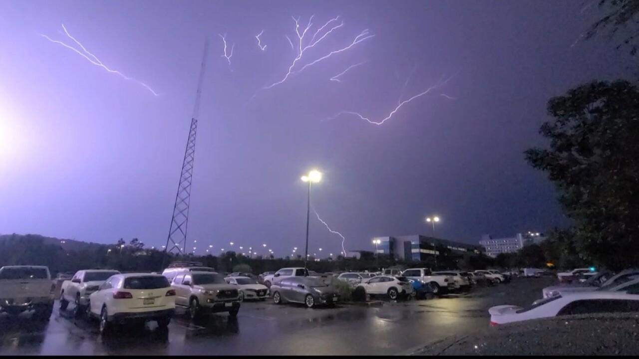 lightning_escondido_3.jpg
