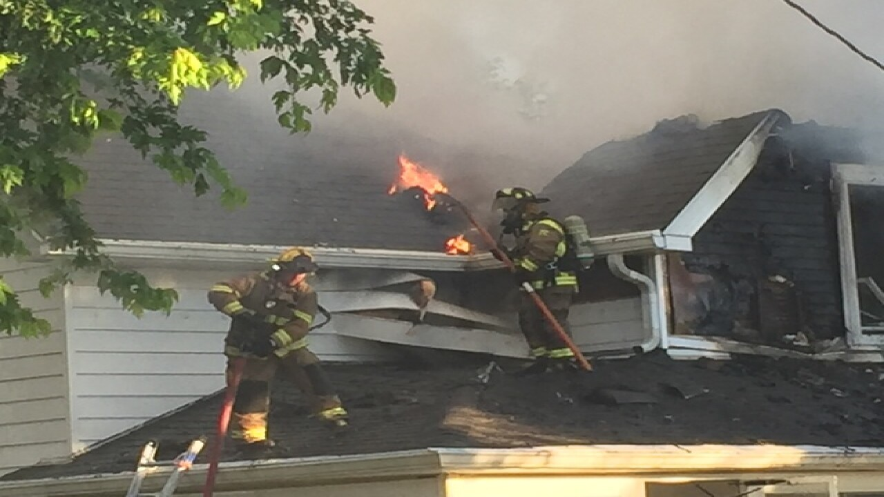 Family of 3 escapes fire in Hancock Co.