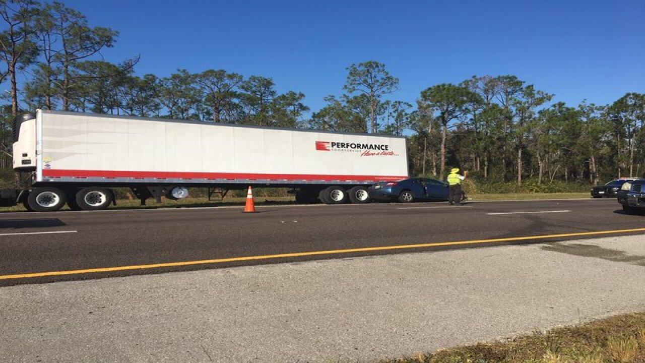 Fatal crash on I-75 south under investigation in Fort Myers