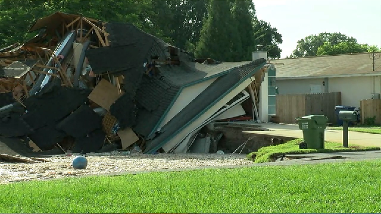 Sinkhole Swallows 2 Homes Continues To Grow In Florida