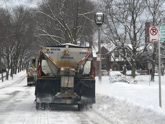 Milwaukee alternate side parking in effect for snow clearing.
