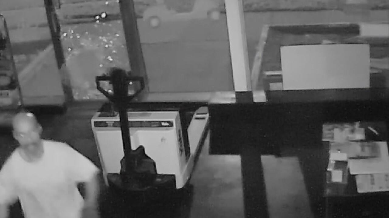 Police seek suspect in Ferndale robbery