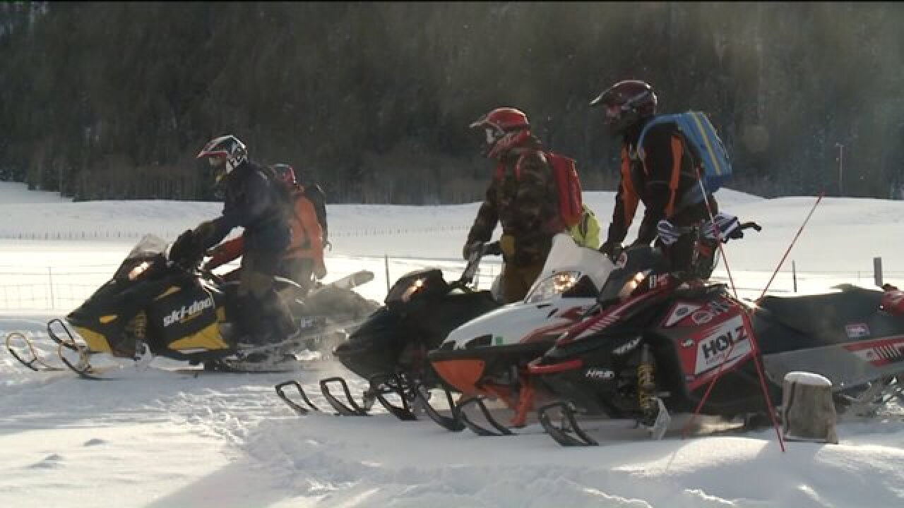 Nearly half of fatal avalanche victims are snowmobilers; experts offer hands-on safetytraining