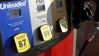Gas prices drop during busy Thanksgiving travel weekend
