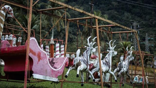 Photos: See inside an abandoned Santa theme park