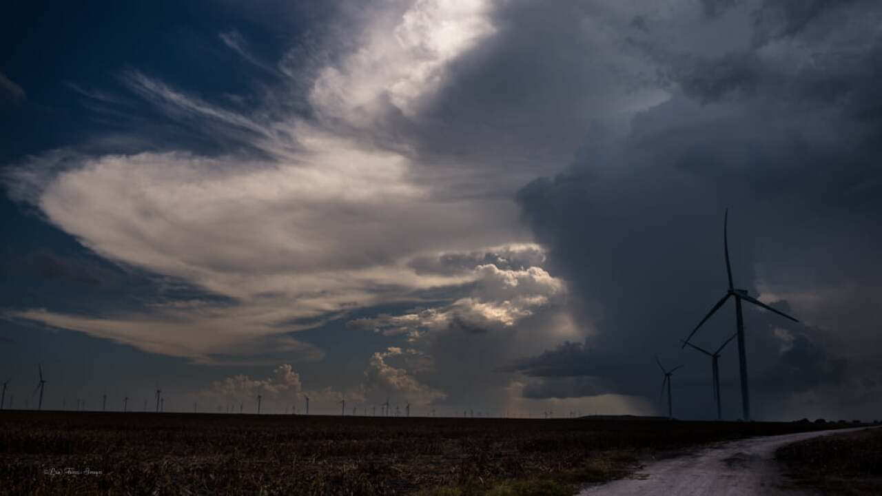 Scattered thunderstorms in South Texas - Photo By: FB Coastal Bend Weather Watcher Lisa Mejia Torres