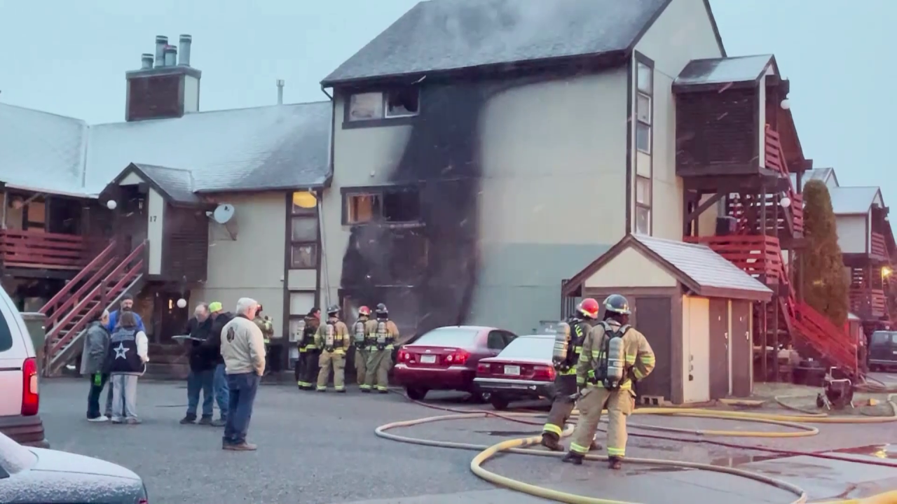 Apartment building fire displaces several Great Falls residents