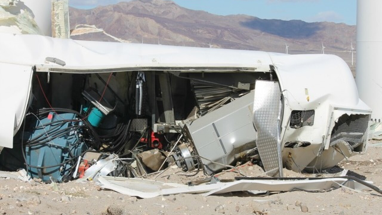 Wind turbine collapses in Ocotillo area