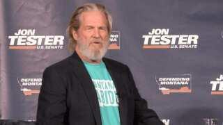 Actor Jeff Bridges endorses Jon Tester at Montana State University