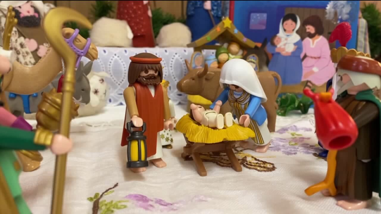 Pennsylvania woman displays extensive nativity scene collection