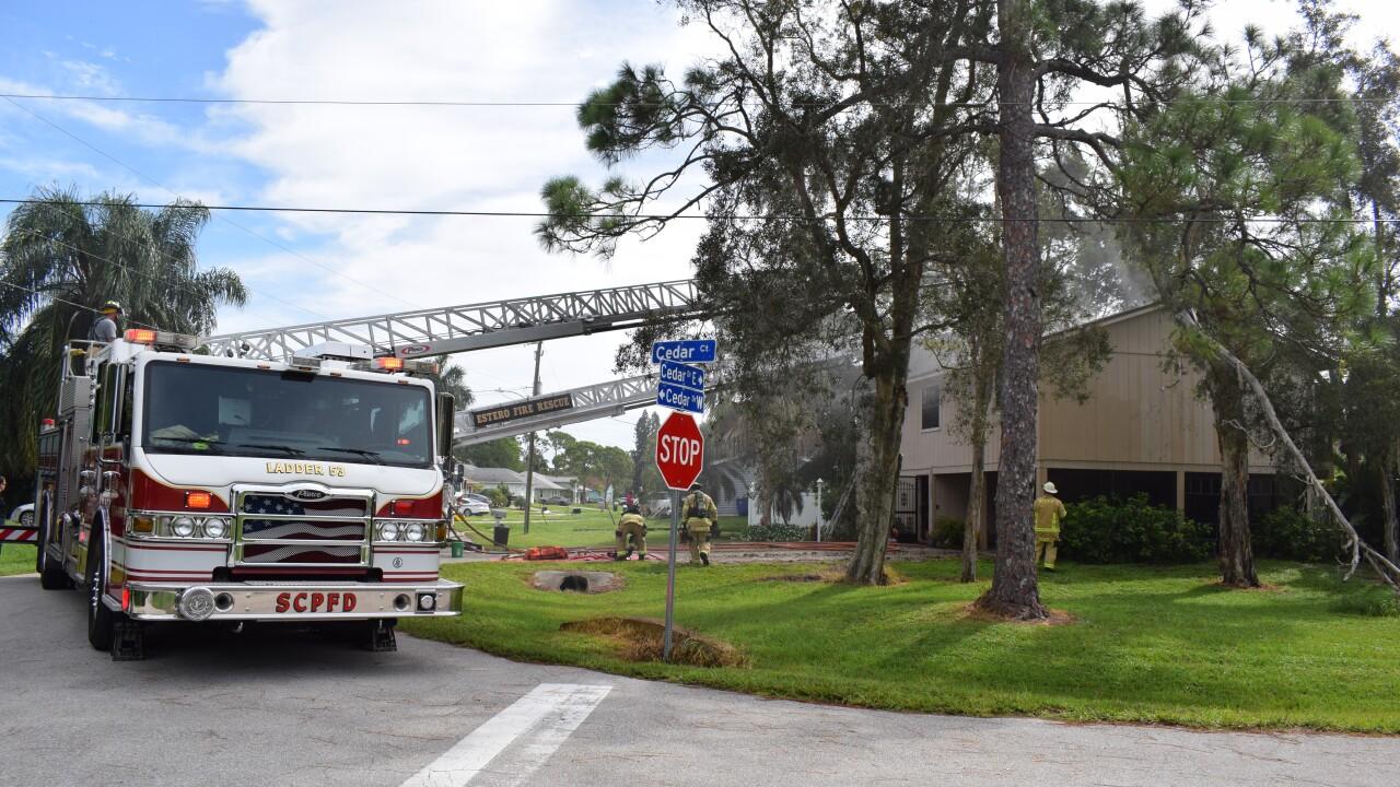 Structure fire San Carlos Park 2.png