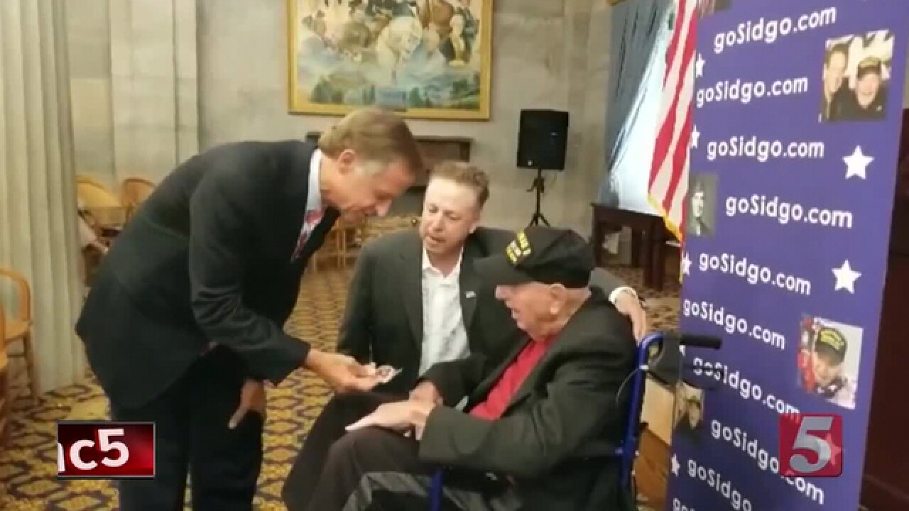 Gov. Haslam Meets With WWII Veteran