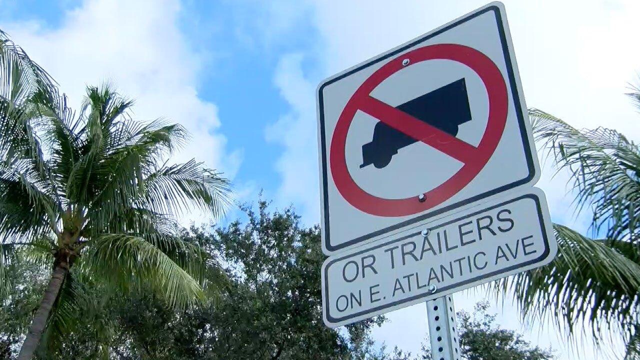 No box trucks allowed sign along Atlantic Avenue in Delray Beach