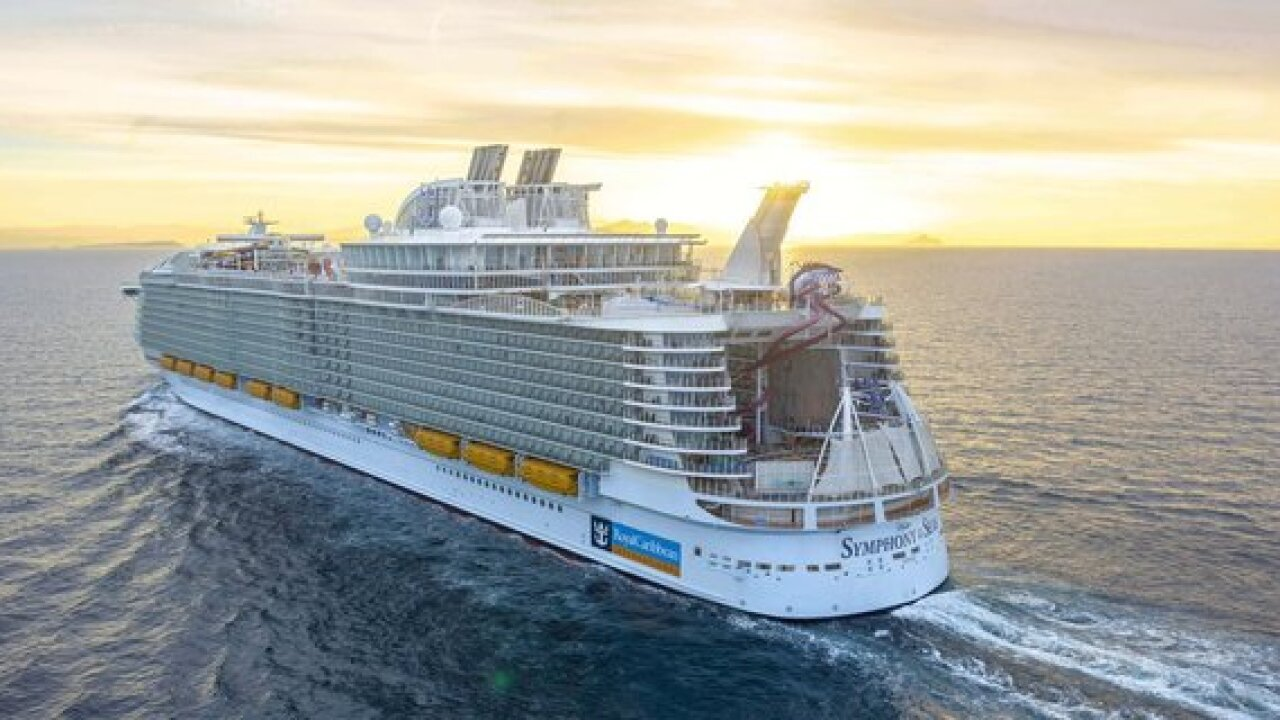 World's largest cruise ship docks in Florida