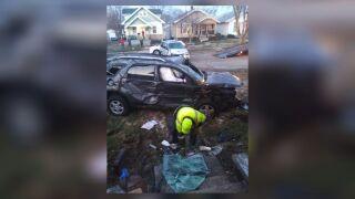 Teens injured after crashing alleged stolen vehicle in Middletown.jpg