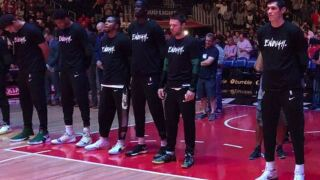 Bucks pay tribute to victims of Thousand Oaks bar shooting