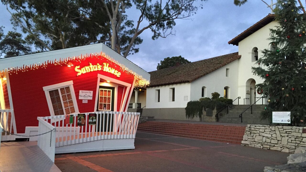 Santa's House opens Friday in Mission Plaza