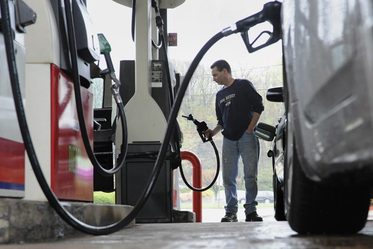 gas pump station car fuel