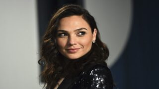 Gal Gadot Announced Her Third Pregnancy With An Adorable Family Photo