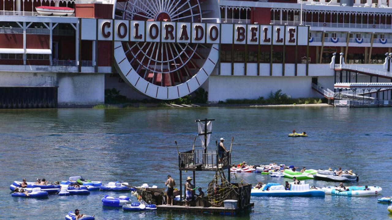 30,000 float in River Regatta along the Colorado