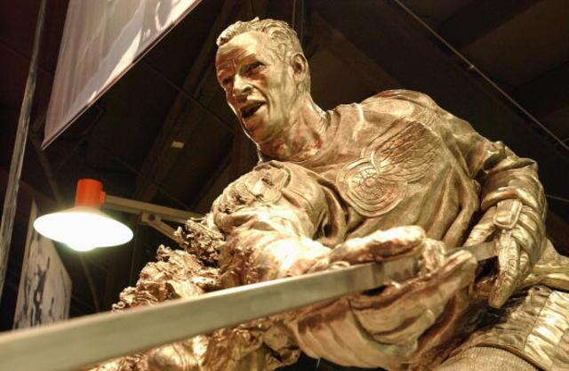 10 creepy statues that give Ronaldo's a run for its money