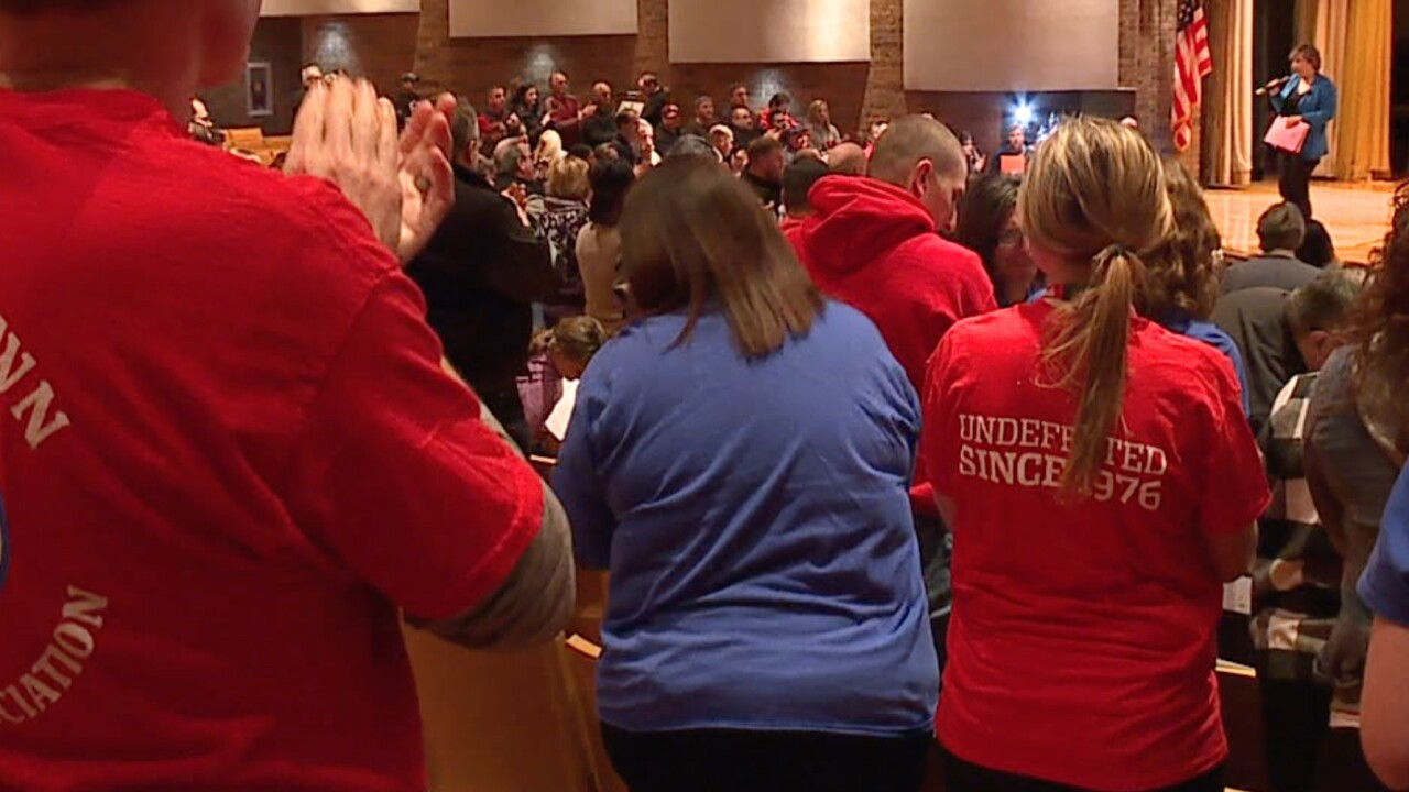 Lordstown teachers, parents urge GM at town hall meeting to find another vehicle for plant