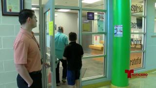 Implementan nuevas medidas de seguridad en escuelas