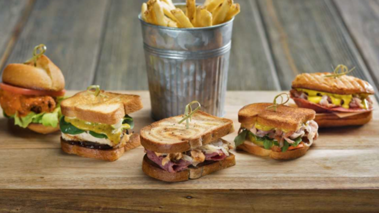 SG Bar adds new food, drink options to menu