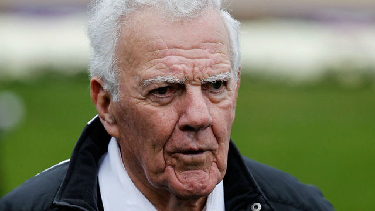 Ara Parseghian, won 2 titles at Notre Dame, has died at 94