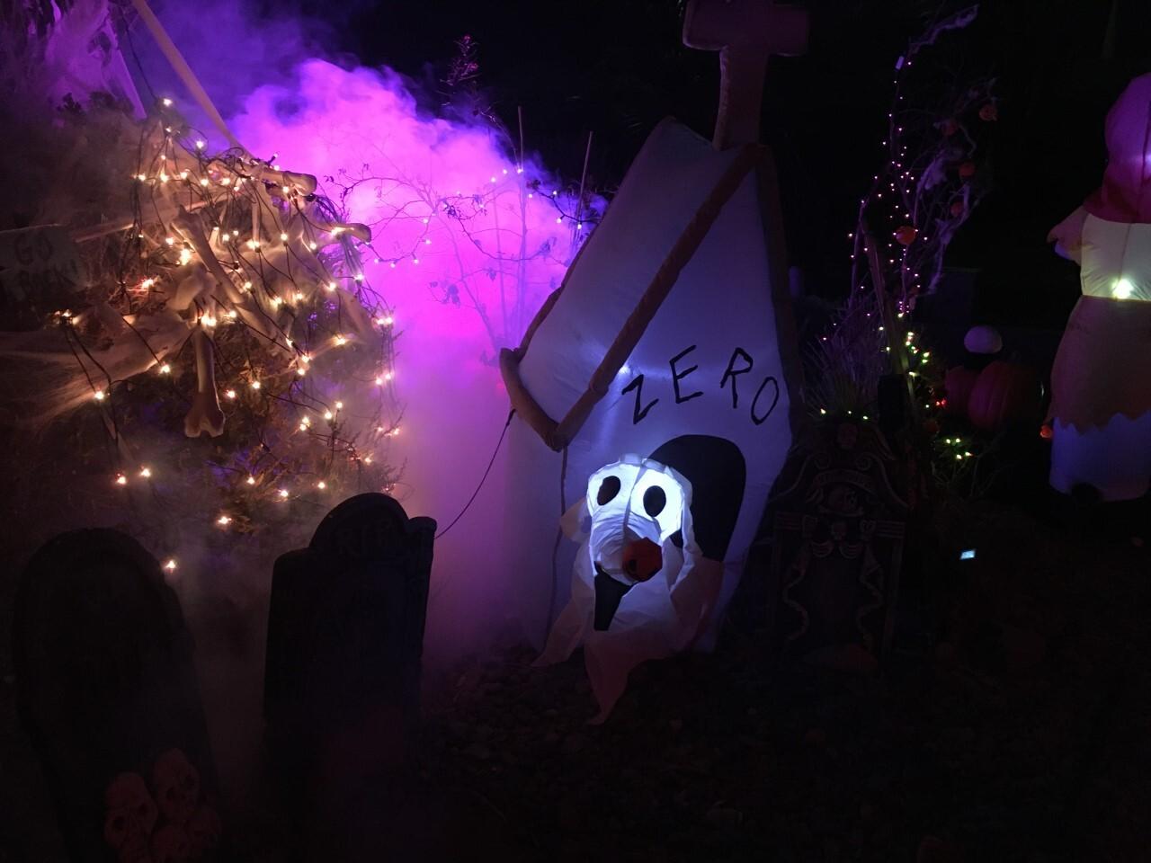 Jeter Tavares halloween houses 4.jpg