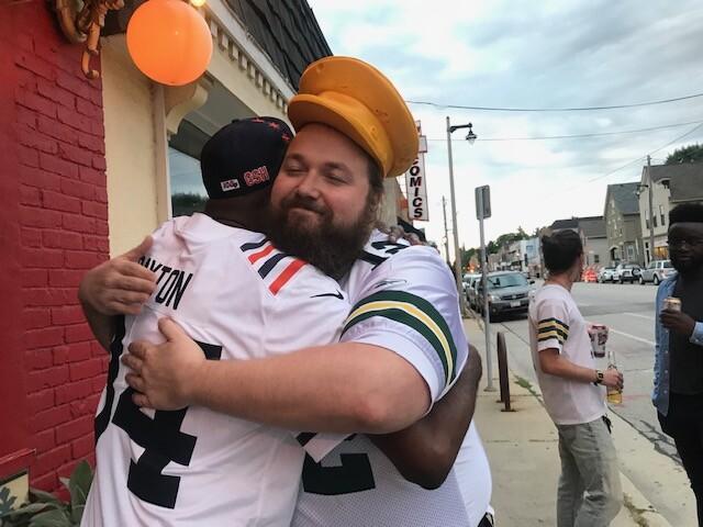 Bears Packers friends.jpg
