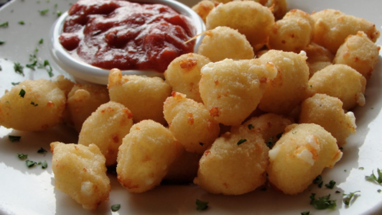 Calling all 'Curd Nerds!' Company will pay person to find Wisconsin's best cheese curds