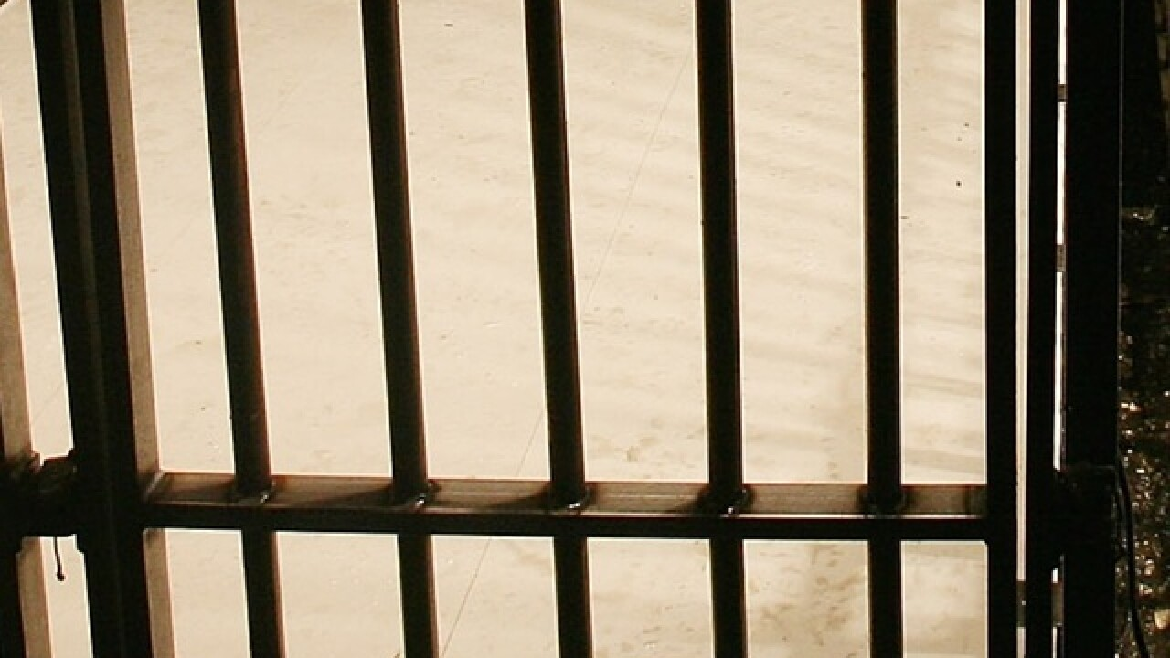4 officers, 15 inmates injured in prison fights