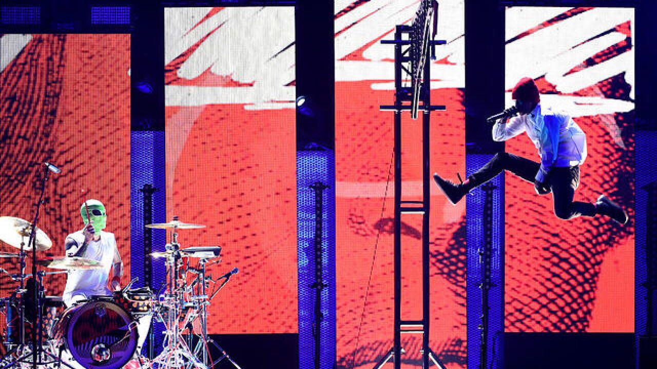 21 Pilots Tour 2020.Twenty One Pilots Announce Show At Little Caesars Arena