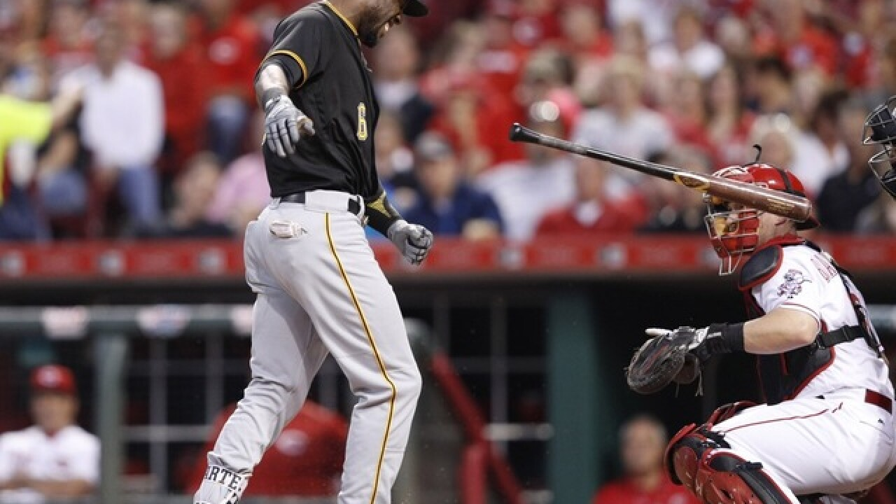 Reds fall to Pirates 5-4