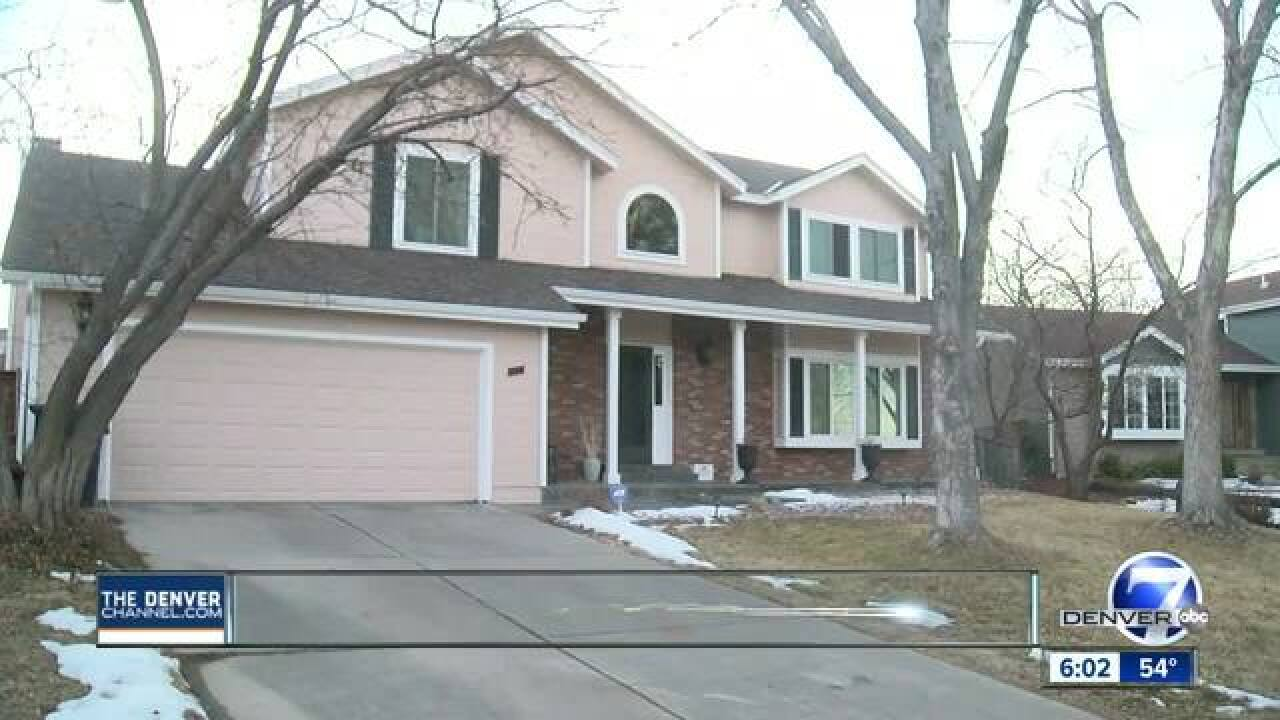 Woman, girl found dead in Highlands Ranch home