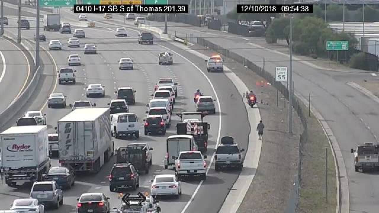 VIDEO: Pack of dogs dodge traffic on I-17 in PHX